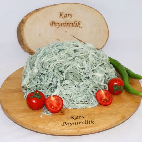 yesil-kuflu-cecil-peynir-goyermis